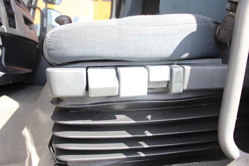 vm 330 4x2 toco 2013 cavalo mecânico - pneus novos!