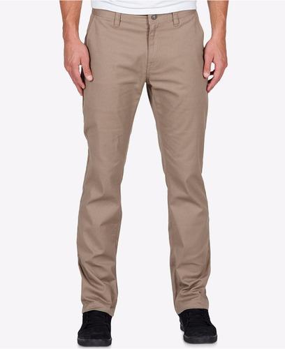 volcom  pantalon   slim  , , tambien  short   . bermudas