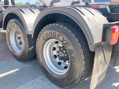 volks 31330 rolon busa traçado = ford cargo mercedes vw
