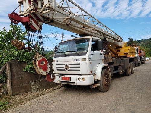 volkswagem 26-260 6x4 ano 2004 guindaste madal md 30 ton
