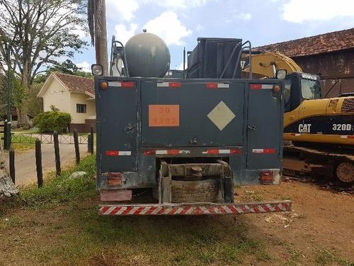 volkswagem 31-320 6x4 ano 2008/2008 comboio gascom