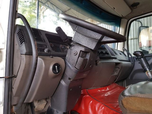 volkswagem 31-330 6x4 ano 2012/2012 caçamba 5 unidades