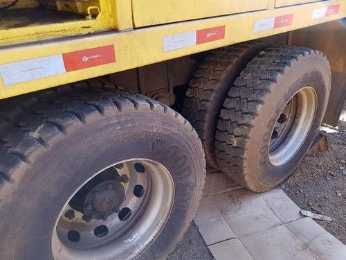 volkswagem 31-330 6x4 ano 2013 comboio lubrificante gascom