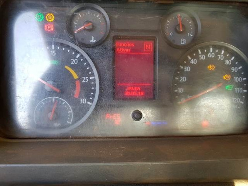 volkswagem 31-330 6x4 ano 2013/2013 comboio gascom