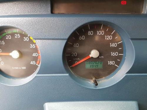 volkswagem 5-140 4x2 ano 2011/2012 cesto aéreo isolado