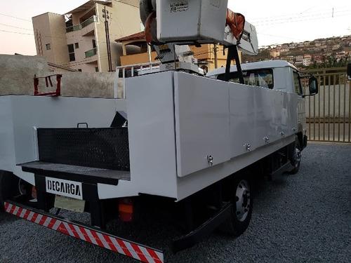 volkswagem 5-140 ano 2012 cesto aéreo isolado 10 metros