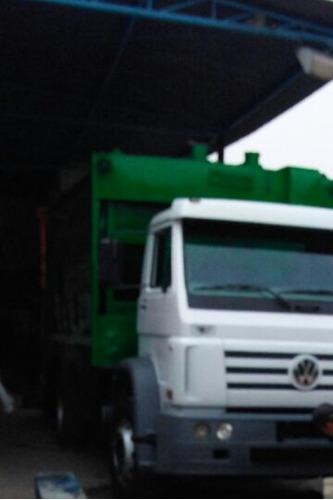 volkswagen 17220 ano 2009 4x2 c/ coletor de lixo 15 metros