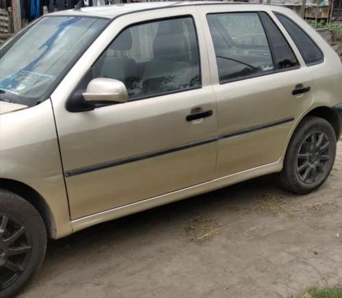 volkswagen 2001, 5 puertas.