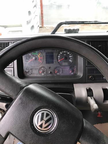 volkswagen 24-25 6x2 2006