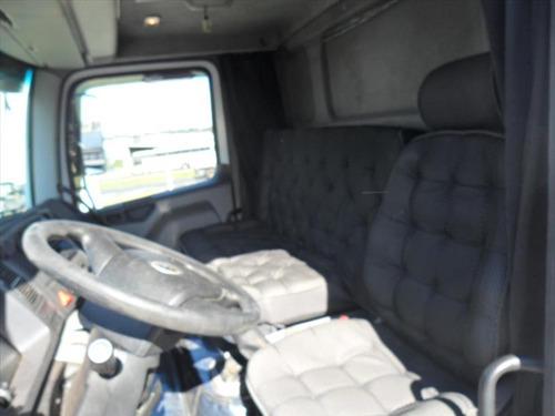 volkswagen 24250 6x2 2010 bau frigorifico