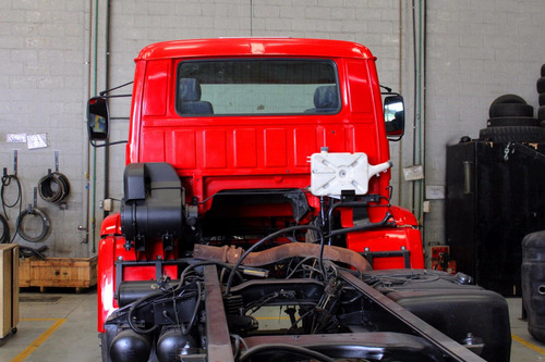 volkswagen 26 220 6x4  01/02 preço de repasse com motor novo
