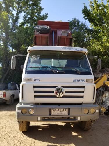 volkswagen 26-260 año 2005.