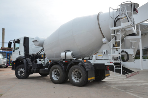 volkswagen 26-280 constellation con mixer 8m3 liebherr