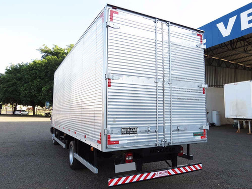 volkswagen 8.160 delivery 2013