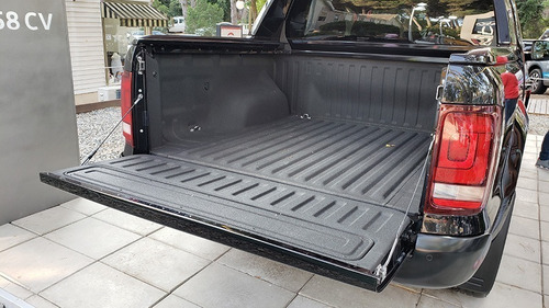 volkswagen amarok 3.0 v6 black style 4x4 automatica negra 17