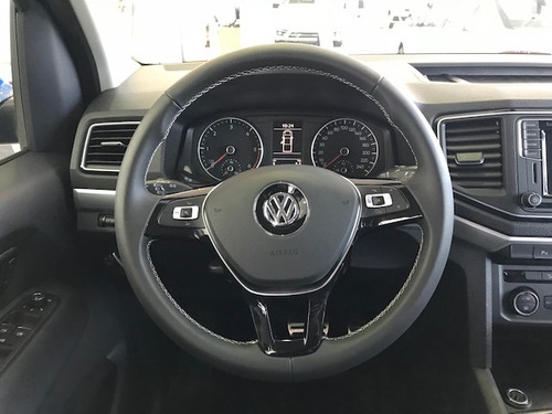 volkswagen  amarok v6 highline 3.0 4x4 at 2.0 0km dm