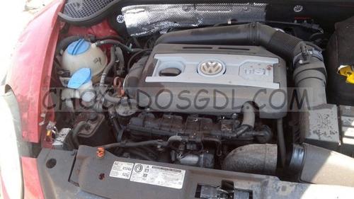 volkswagen beetle turbo dsg 2012¿  chocado para reparar...