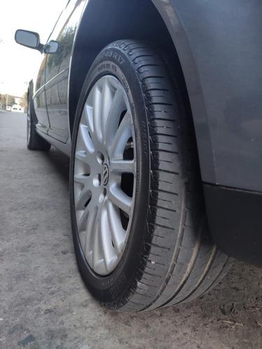 volkswagen bora 1.8 highline t 180cv cuero 2012