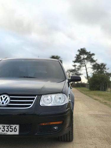 volkswagen bora 1.8 highline t 180cv cuero 2014