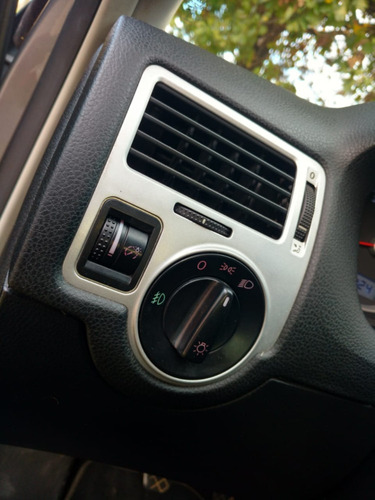 volkswagen bora 1.8t - 2011 - manual - original