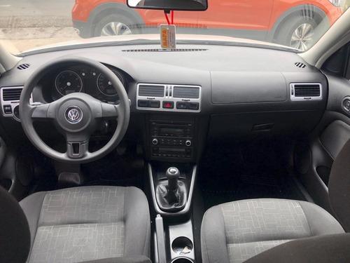 volkswagen bora 1.9 tdi 2011. muy bueno.