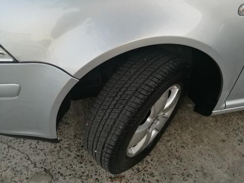 volkswagen bora 2.0 trendline 115cv color gris