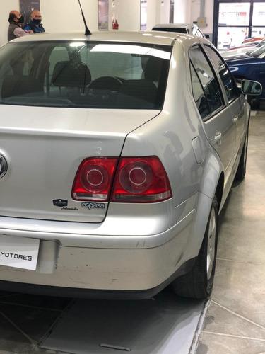 volkswagen bora 2.0 trendline 2011 financio hasta el 100%