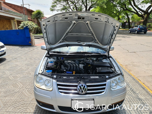 volkswagen bora 2.0 trendline l/07 2012