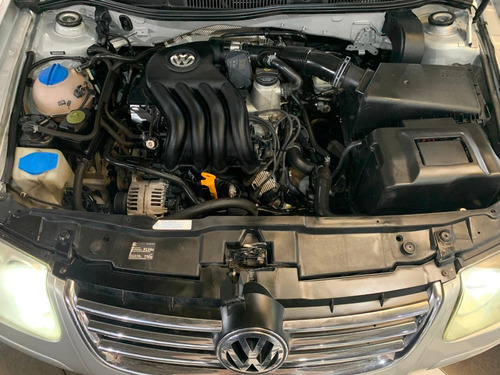 volkswagen bora 2.0 trendline manual 2012 gris cpm