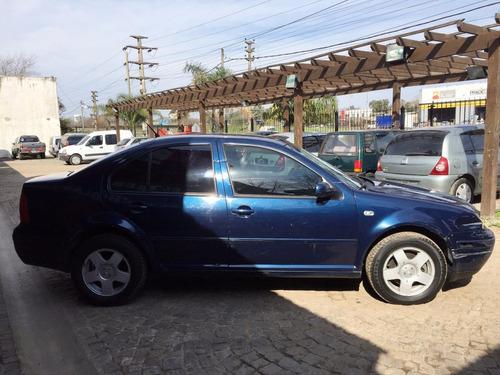 volkswagen bora 2002 azul