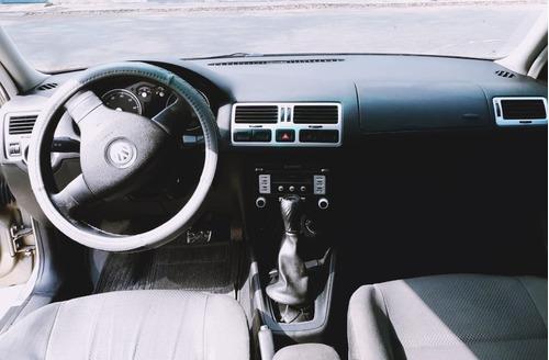 volkswagen bora 2.008, motor 2.0, 4 puertas, beige