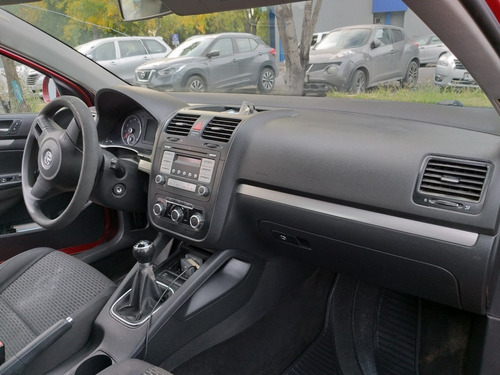 volkswagen bora 2.5 active bit mt 2010