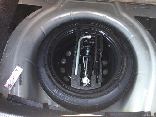 volkswagen bora 2.5 active tiptronic bt at 2010