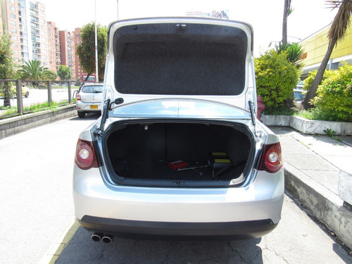 volkswagen bora style 2.5 automático sedán
