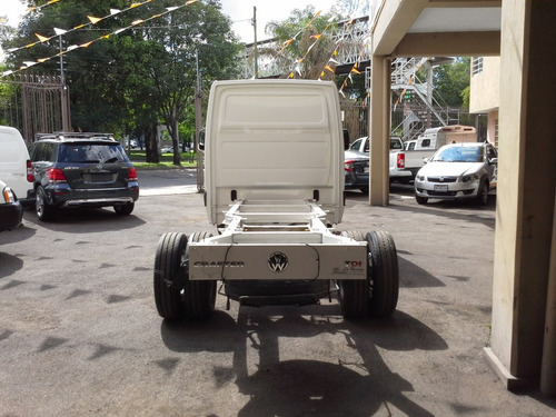 volkswagen crafter 2.0 chasis 5 ton lwb mt