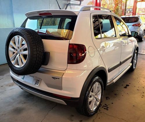 volkswagen crossfox 1.6 vht total flex 5p 2013 única dona