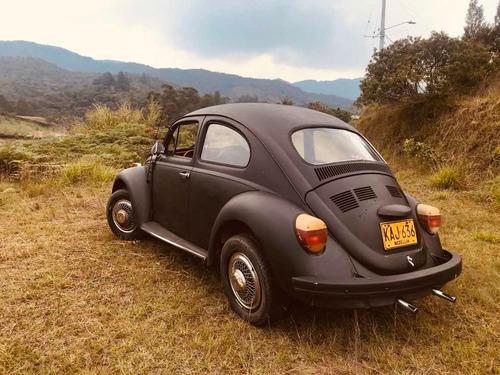 volkswagen escarabajo negro mate