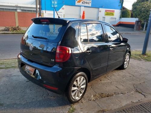 volkswagen fox 1.6 trendline 2011 full tomo auto