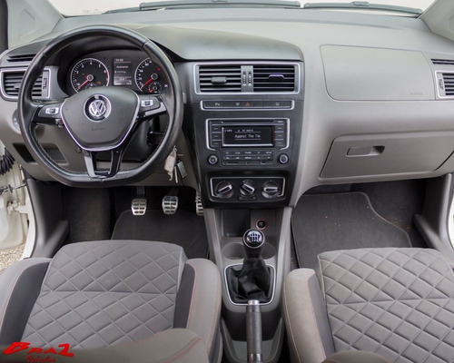 volkswagen fox highline 1.6 bege 2015