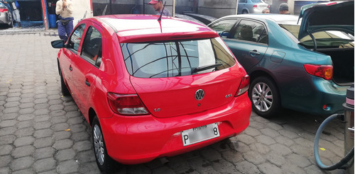 volkswagen gol 1.6 hatchback color rojo digito 8