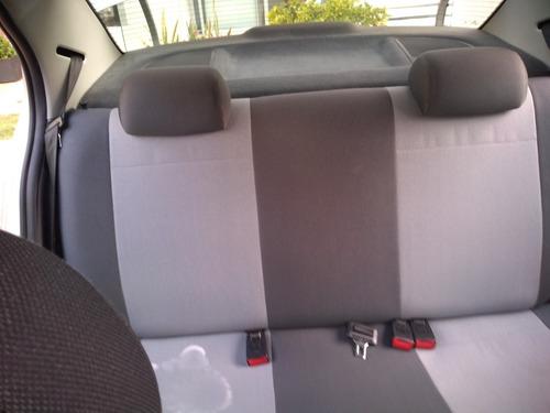 volkswagen gol motor 1.6 gris 4 puertas