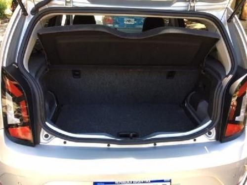 volkswagen high up!  1.0 75cv  sedan 5 puertas