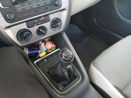 volkswagen jetta 2.0 l4 mt 2017