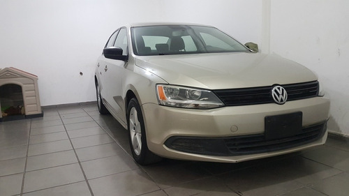 volkswagen jetta 2.0 man at 2014