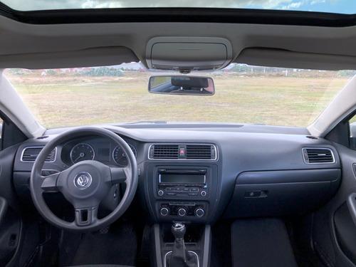 volkswagen jetta 2012 2.5 style active 5vel mt