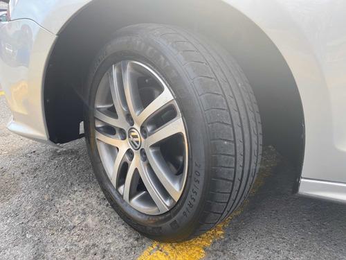 volkswagen jetta 2.5 comfortline  at 2015 autos puebla
