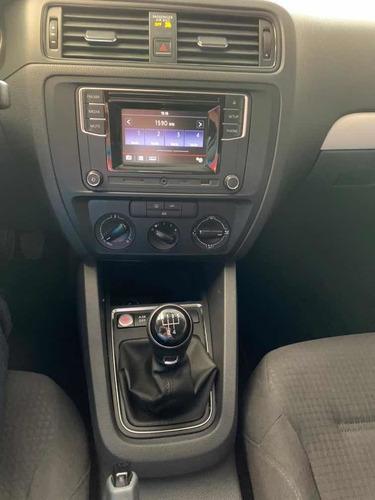 volkswagen jetta 2.5 comfortline std 5 vel ac qc 2017