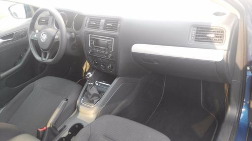 volkswagen jetta 2.5 l5 comfortline mt