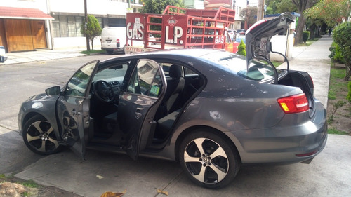 volkswagen jetta 2.5 trendline l5 man b a mt 2015