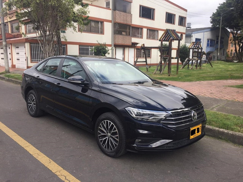 volkswagen jetta modelo 2019 motor 1.4 tsi negro